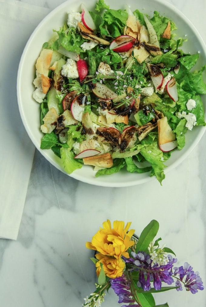 balanced green salad